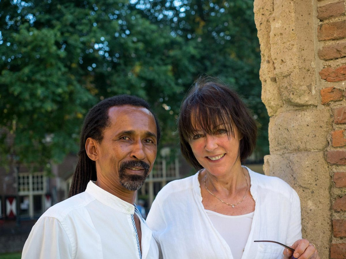 Brazilian artist Totonho with Dutch singer Josee Koning